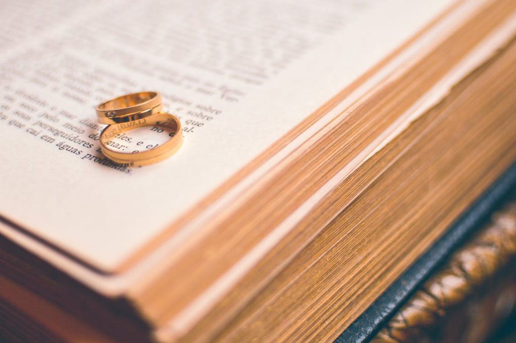 15 of the Best Christian Books About Marriage